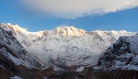 Άποψη πρωινού του υποστηρίγματος Annapurna από το στρατόπεδο βάσεων Annapurna Στοκ φωτογραφία με δικαίωμα ελεύθερης χρήσης