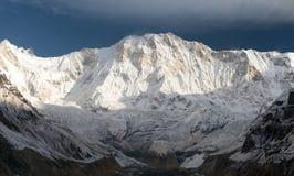 Άποψη πρωινού του υποστηρίγματος Annapurna από το στρατόπεδο βάσεων Annapurna Στοκ εικόνες με δικαίωμα ελεύθερης χρήσης