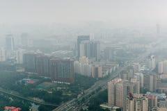 Άποψη πόλεων ελαφριάς ομίχλης του Πεκίνου Κίνα άνωθεν Στοκ Εικόνα