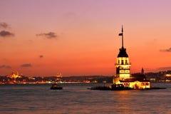 Άποψη πύργων κοριτσιού τη νύχτα. Ιστανμπούλ Τουρκία Στοκ εικόνες με δικαίωμα ελεύθερης χρήσης