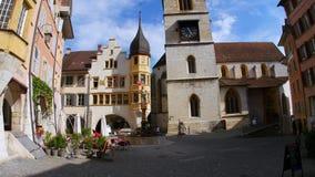άποψη πύργων ρολογιών κεντρικός στην ελβετική πόλη απόθεμα βίντεο