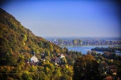 Άποψη Ρέγκενσμπουργκ φθινοπώρου ποταμών Δούναβη Στοκ φωτογραφία με δικαίωμα ελεύθερης χρήσης