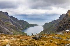 Άποψη στα βουνά κοντά σε Reine, Lofoten, Νορβηγία Στοκ φωτογραφία με δικαίωμα ελεύθερης χρήσης