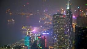 Άποψη στεγών αιθαλομίχλης νύχτας Χονγκ Κονγκ timelapse φιλμ μικρού μήκους