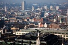 άποψη στεγών πέρα από το Λονδίνο μια ομιχλώδη ημέρα από το ST Paul& x27 καθεδρικός ναός του s Στοκ εικόνα με δικαίωμα ελεύθερης χρήσης