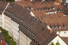 Άποψη στεγών των σπιτιών σειρών στοκ εικόνα