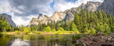 Άποψη στην κοιλάδα Yosemite Στοκ Εικόνες