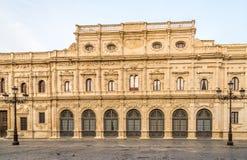 Άποψη στην οικοδόμηση της αίθουσας πόλεων στη Σεβίλλη, Ισπανία στοκ εικόνες
