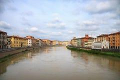 Άποψη στην πόλη της Πίζας και τον ποταμό του Aron Στοκ εικόνες με δικαίωμα ελεύθερης χρήσης
