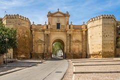 Άποψη στην πύλη της Κόρδοβα Carmona, Ισπανία στοκ φωτογραφία με δικαίωμα ελεύθερης χρήσης