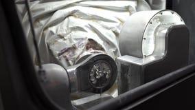 Άποψη στη διαδικασία χάραξης στην οδοντική μηχανή άλεσης φιλμ μικρού μήκους
