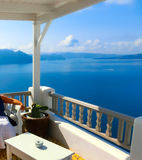Άποψη στη θάλασσα από Oia το χωριό του νησιού Santorini στην Ελλάδα Στοκ φωτογραφία με δικαίωμα ελεύθερης χρήσης