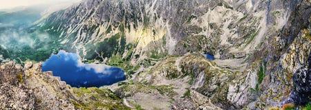 Άποψη στη μαύρη λίμνη από Koscielec Στοκ φωτογραφία με δικαίωμα ελεύθερης χρήσης