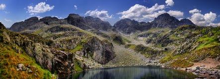 Άποψη στη μαύρη λίμνη από Tatras Στοκ φωτογραφία με δικαίωμα ελεύθερης χρήσης
