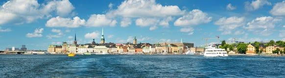 Άποψη στη Στοκχόλμη με ένα πορθμείο από τη θάλασσα Στοκ φωτογραφία με δικαίωμα ελεύθερης χρήσης