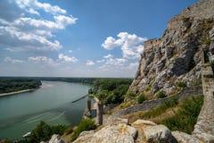 Άποψη στον ποταμό Δούναβη από το κάστρο του Devin στοκ εικόνα