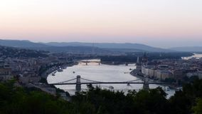 Άποψη στον ποταμό Δούναβη και την πόλη της Βουδαπέστης απόθεμα βίντεο