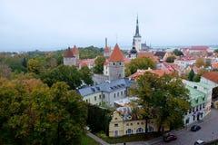 Άποψη στους παλαιούς πόλης πύργους Στοκ Εικόνα