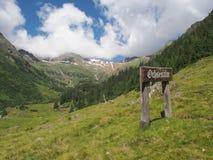 Άποψη στο βουνό tribulaun, νότιο Τύρολο, Ιταλία, Ευρώπη Στοκ εικόνες με δικαίωμα ελεύθερης χρήσης