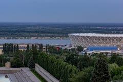 Άποψη στο Βόλγα και το χώρο του Βόλγκογκραντ γηπέδου ποδοσφαίρου στοκ φωτογραφία με δικαίωμα ελεύθερης χρήσης