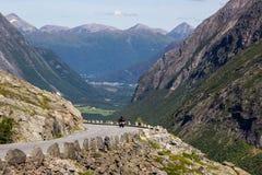 Άποψη στο δρόμο βουνών Geiranger Trollstigen στη νότια Νορβηγία Στοκ Εικόνες