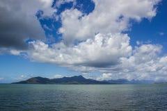 άποψη στο νησί dunk μια όμορφη θερινή ημέρα, παραλία αποστολών, Queensland, Αυστραλία στοκ εικόνες