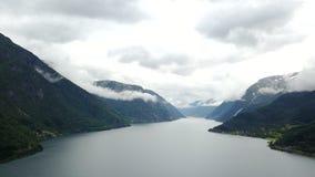Άποψη στο φιορδ και το νερό από τον κηφήνα στη Νορβηγία Στοκ Εικόνα
