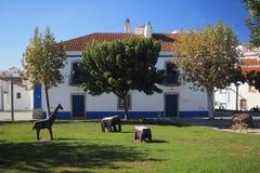 Άποψη σχετικά με τα κτήρια και την πόλη Arraiolos, Πορτογαλία πάρκων Στοκ εικόνα με δικαίωμα ελεύθερης χρήσης