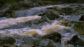 Άποψη σχετικά με τα ορμητικά σημεία ποταμού του οργιμένος ποταμού απόθεμα βίντεο