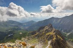 Άποψη σχετικά με τα υψηλά βουνά Tatra από την αιχμή Jahnaci stit, Σλοβακία, Ευρώπη Στοκ Εικόνες