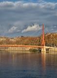Άποψη σχετικά με την κόκκινη γέφυρα της Λυών, Γαλλία Στοκ Φωτογραφίες