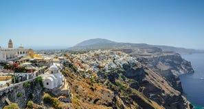 Άποψη σχετικά με την πόλη Thira του νησιού Santorini Στοκ εικόνες με δικαίωμα ελεύθερης χρήσης