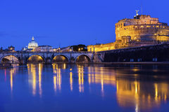 Άποψη σχετικά με τη βασιλική του ST Peter και Castel Sant'Angelo στη Ρώμη Στοκ εικόνες με δικαίωμα ελεύθερης χρήσης
