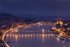 Άποψη σχετικά με τη γέφυρα Szecheny στη Βουδαπέστη Ουγγαρία στοκ φωτογραφία με δικαίωμα ελεύθερης χρήσης