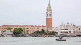 Άποψη σχετικά με τη διάσημη θέση της Ιταλίας πόλεων της Βενετίας από τη λιμνοθάλασσα θάλασσας απόθεμα βίντεο
