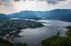 Άποψη σχετικά με τη λίμνη Kawaguchi στο πόδι του υποστηρίγματος Φούτζι Στοκ εικόνα με δικαίωμα ελεύθερης χρήσης