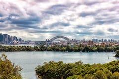 Άποψη σχετικά με τη λιμενική γέφυρα του Σίδνεϊ, Αυστραλία Στοκ φωτογραφίες με δικαίωμα ελεύθερης χρήσης