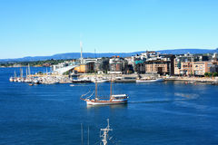 Άποψη σχετικά με τη σύγχρονη περιοχή Stranden, περιοχή Aker Brygge με το Λουξεμβούργο Στοκ Φωτογραφίες
