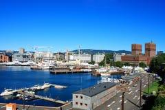 Άποψη σχετικά με τη σύγχρονη περιοχή Stranden, περιοχή Aker Brygge με το Λουξεμβούργο Στοκ Φωτογραφία