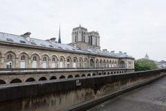 Άποψη σχετικά με τη Notre-Dame από ξενοδοχείο-Dieu Στοκ φωτογραφία με δικαίωμα ελεύθερης χρήσης