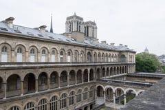 Άποψη σχετικά με τη Notre-Dame από ξενοδοχείο-Dieu Στοκ εικόνα με δικαίωμα ελεύθερης χρήσης