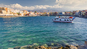 Άποψη σχετικά με τον ενετικό λιμένα σε Chania, Κρήτη, Ελλάδα στοκ εικόνα με δικαίωμα ελεύθερης χρήσης