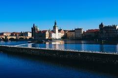Άποψη σχετικά με τον ποταμό στην Πράγα Στοκ Εικόνες