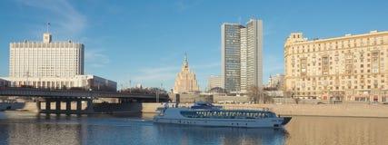 Άποψη σχετικά με τον ποταμό της Μόσχας Στοκ Φωτογραφίες