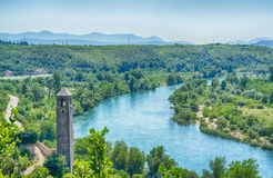 Άποψη σχετικά με τον ποταμό Neretva σε Pocitelj, Βοσνία-Ερζεγοβίνη Στοκ Εικόνες