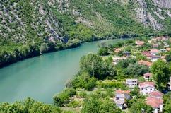 Άποψη σχετικά με τον ποταμό Neretva σε Pocitelj, Βοσνία-Ερζεγοβίνη Στοκ φωτογραφία με δικαίωμα ελεύθερης χρήσης