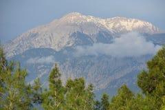 Άποψη σχετικά με το βουνό Tahtali, κοντά σε Antalya Στοκ φωτογραφία με δικαίωμα ελεύθερης χρήσης