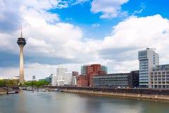 Άποψη σχετικά με το λιμάνι μέσων Στοκ Φωτογραφίες