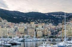 Άποψη σχετικά με το λιμάνι του Μονακό με τα επίπεδα Στοκ Εικόνες