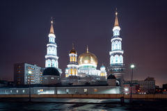 Άποψη σχετικά με το μουσουλμανικό τέμενος καθεδρικών ναών της Μόσχας στη νύχτα Στοκ Φωτογραφία